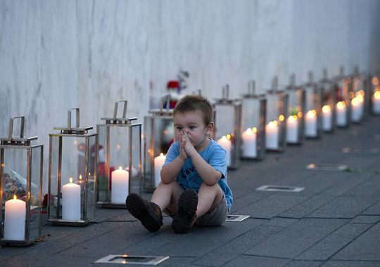 Historic moments - childs reflection candles